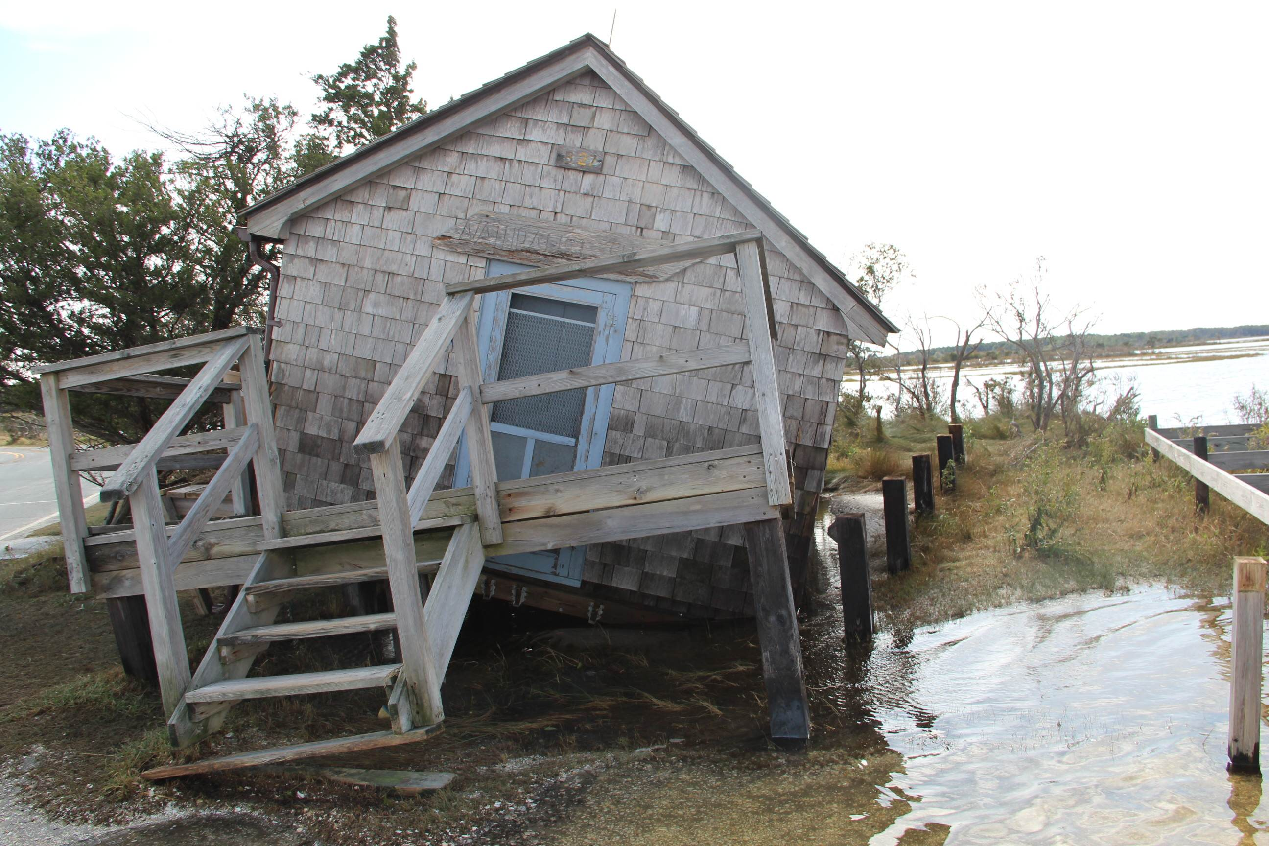 Old_Ferry_Landing_Naturalist_Shack