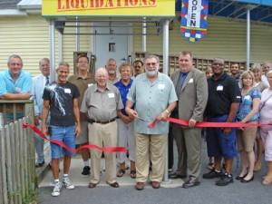 SH Mayor Stephen Matthews Cuts Ribbon At Grand Opening
