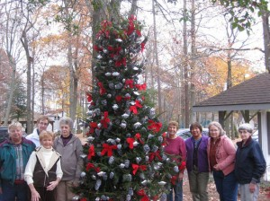 Members Of The Pine'eer Craft Club Participated In Ocean Pines Old Fashioned Christmas/Tree Lighting Ceremony