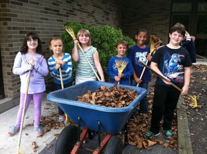 Showell Elementary Third Grade Students Work In The Children's Garden