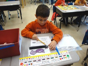 OC Elementary Students Have Fun Practicing Measuring Skills