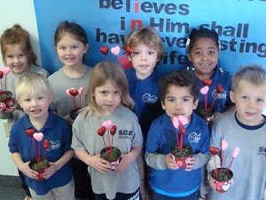 Seaside Christian Academy Students Make Valentine Gifts For Mom
