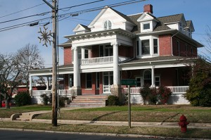 County Looking To Unload Landmark Snow Hill House