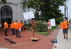 'Freedoms Being Stepped On' Leads To Street Performer Protest; Task Force Member Opposes New Regs