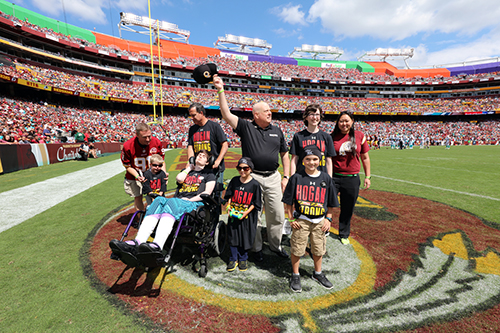 1922d09f 09/17/2015 | Governor Larry Hogan Attends Redskins Game With Four ...