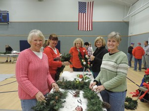 """Ocean Pines Garden Club Holds Annual """"Decorate The Pines"""" Event"""