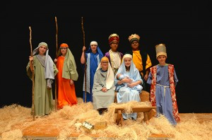 Students Portray Nativity Scene At 45th Annual Christmas Candlelight Service