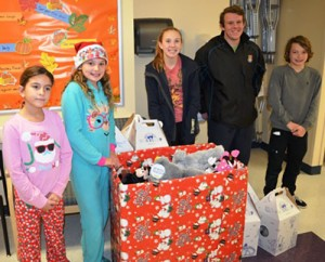 OP Hammerheads Swim Team Deliver Over 60 Toys To Emergency Department At AGH