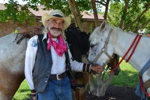 Man's Cross Country Journey On Horseback Rolls Through Berlin