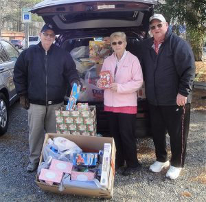 Kiwanis Club Members Deliver Toys To Worcester GOLD And Diakonia