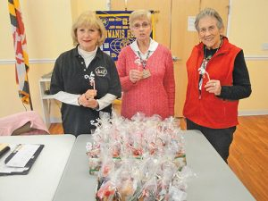 Kiwanis Club President Makes Edible Gifts For Meals On Wheels Recipients