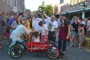 Berlin Hosts 28th Annual Bathtub Races
