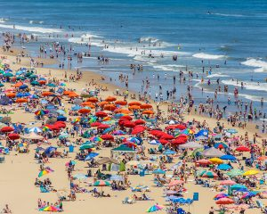"Surfrider Foundation Launches 'Strawless Summer"" Campaign"