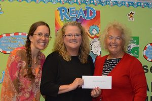 Republican Women Donate To Showell Elementary