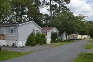 Planning Comm. Opposes Year-Round Mobile Home Park Occupancy