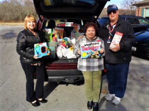 Kiwanis Delivers Toys To Snow Hill  Worcester G.O.L.D.