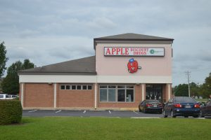 Apple Discount Drugs To Close In Berlin