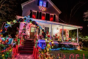 Homeowners Get In Christmas Spirit For First-Ever Light Up Berlin Contest