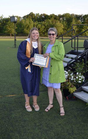 Garden Club Presents Scholarship