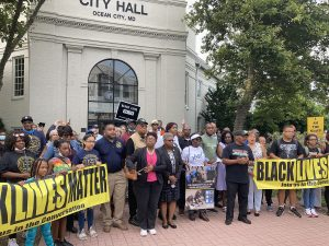 Freedom Bus Tour Makes Stop In OC; Mayor Meets With Delegate, Part Of Effort